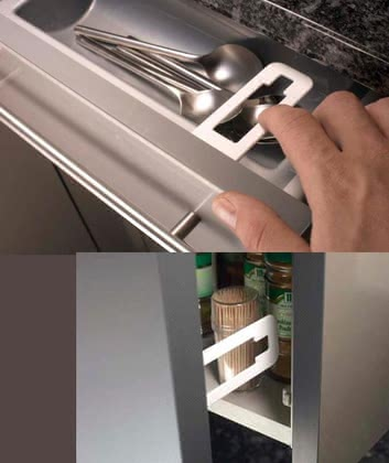 reer Cabinet and drawer latch with finger-trap protection 2015 - large image