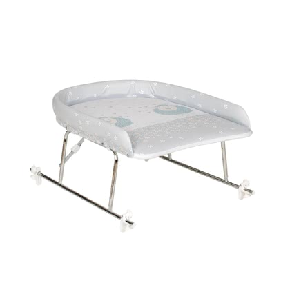 Geuther Bath-mounted changing table, height adjustable - The Geuther winding upper part can be installed safely and space-saving on your bath tub. The changing mat is padded extra thick.