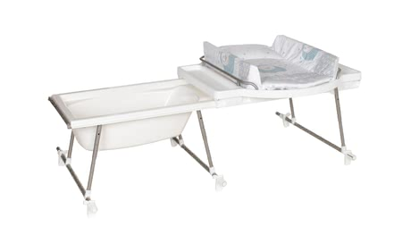 Geuther Aqualight bath and changing unit - The Geuther Aqualino bath and changing unit offers a lot of space for bathing and changing of diapers.