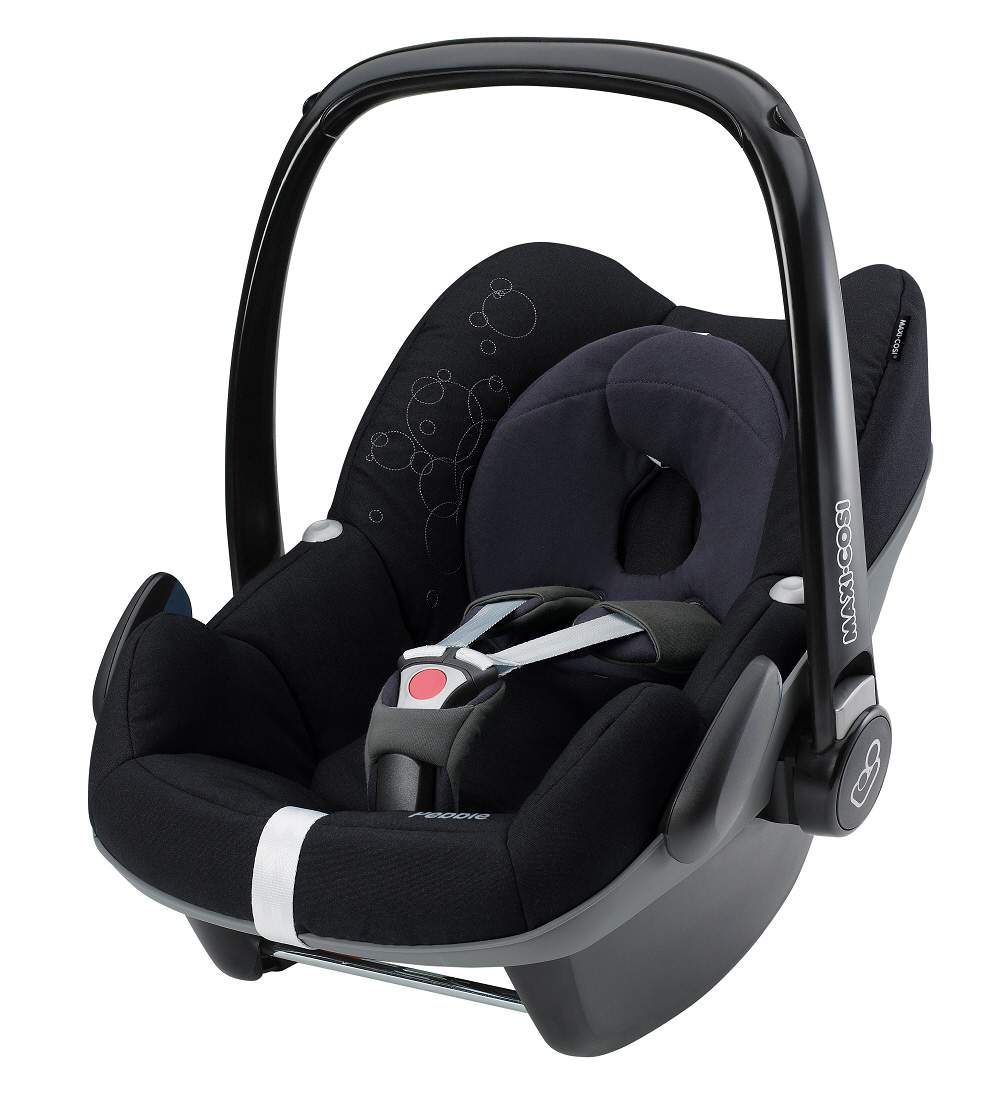 maxi cosi infant car seat pebble 2014 total black buy at kidsroom car seats. Black Bedroom Furniture Sets. Home Design Ideas