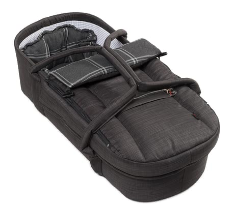 Hartan Combi carrycot -  * The Hartan Combi carrying bag is enhanced on all sides and turns your stroller into a full pushchair