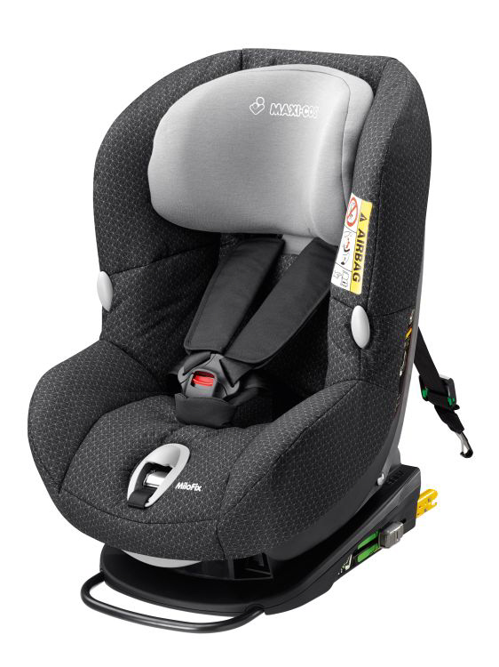 maxi cosi child car seat milofix 2016 black crystal buy at kidsroom car seats isofix child. Black Bedroom Furniture Sets. Home Design Ideas