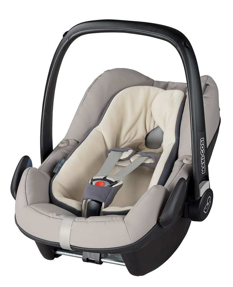 maxi cosi infant car seat pebble plus 2016 reworked grey buy at kidsroom car seats. Black Bedroom Furniture Sets. Home Design Ideas