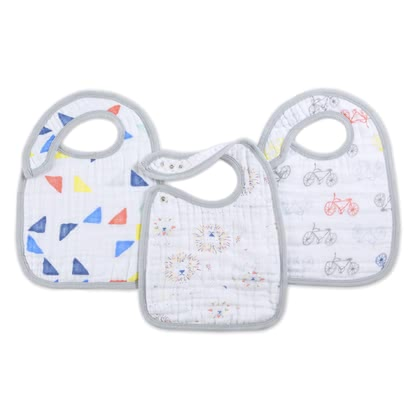 aden+anais snap bibs - The super soft bib not only gives your little one a chic look at the dining table, but also keeps him clean.
