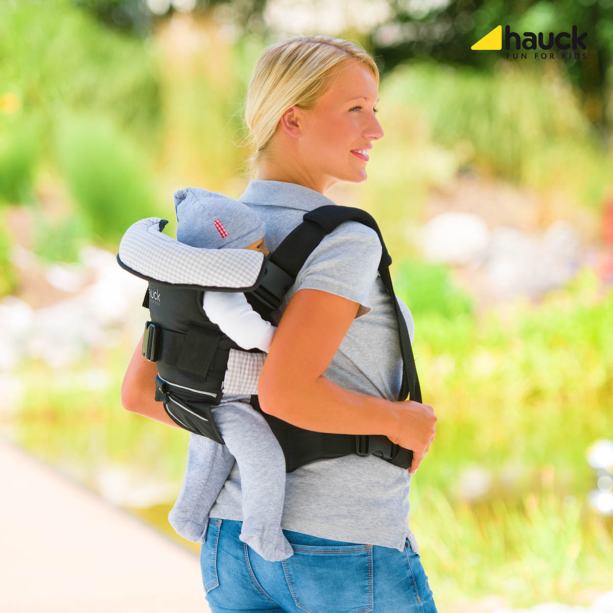 Hauck 4 Way Baby Carrier 2017 Buy At Kidsroom On Tour