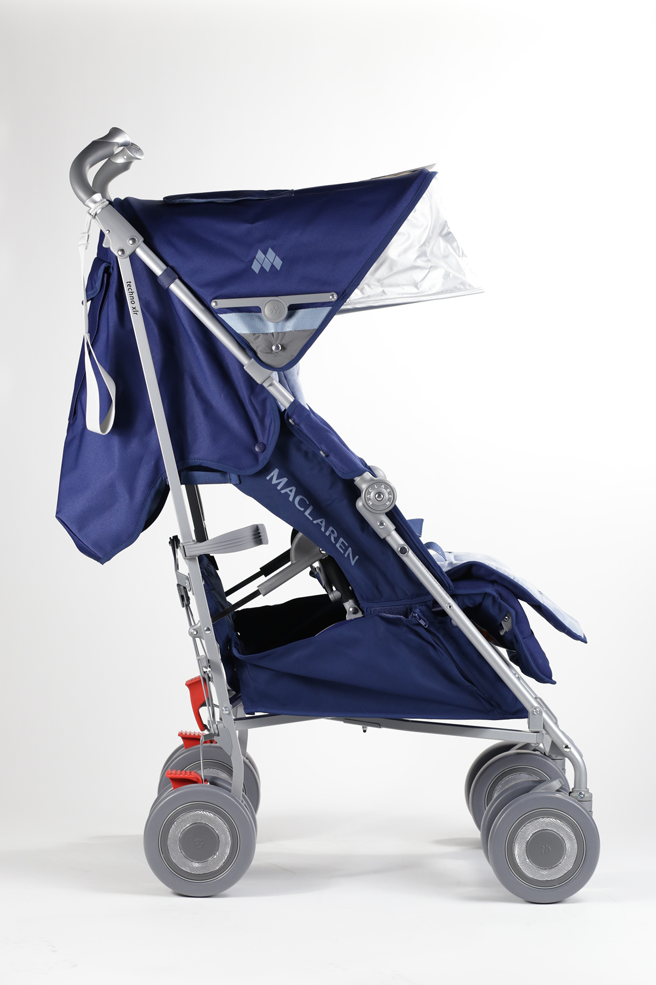 maclaren buggy techno xlr 2015 soft blue buy at kidsroom strollers. Black Bedroom Furniture Sets. Home Design Ideas