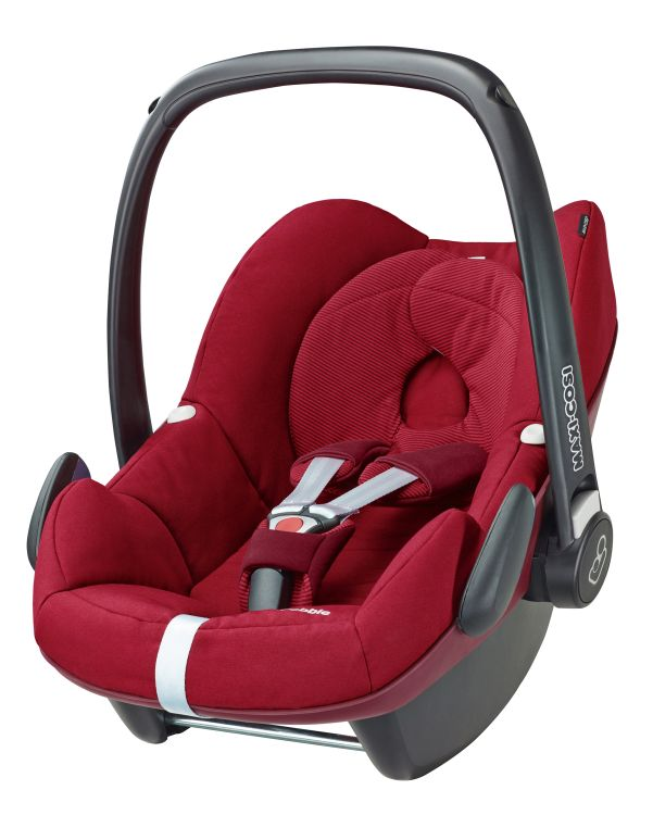 maxi cosi pebble incl 2way pearl and 2way fix base 2017 robin red buy at kidsroom car seats. Black Bedroom Furniture Sets. Home Design Ideas