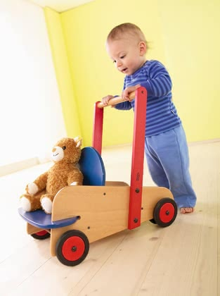 Haba Baby Walker Classic - * Haba walker wagon Classic – The wagon supports your child during the first steps and has a stable seat.