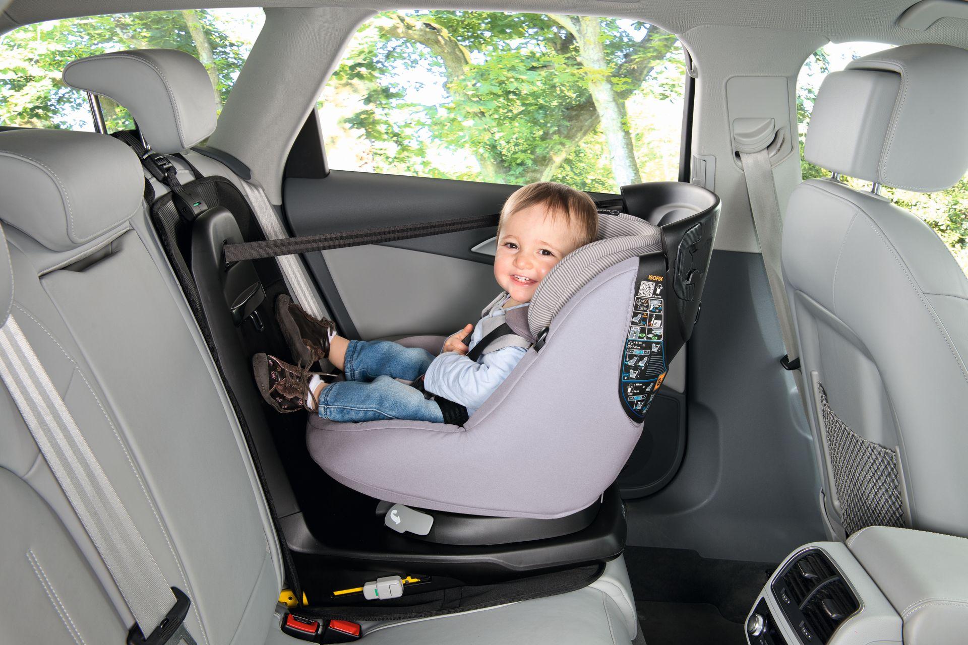 Car Seat Protector >> Maxi-Cosi Back Seat Protector - Buy at kidsroom | Car Seats