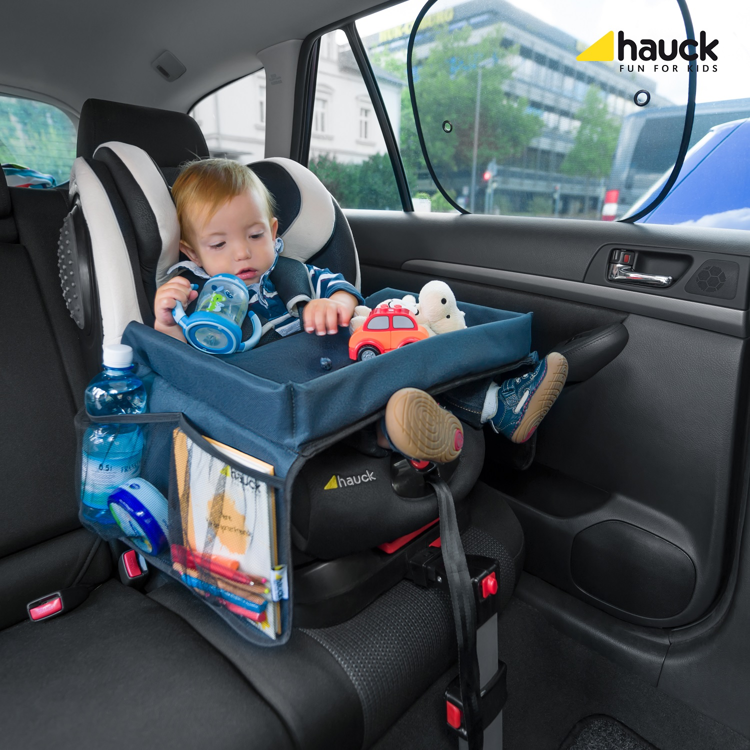 hauck travel play tray for car seats play on me buy at kidsroom car seats. Black Bedroom Furniture Sets. Home Design Ideas