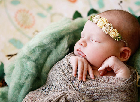 Swaddling: That's how you support your baby's sleep